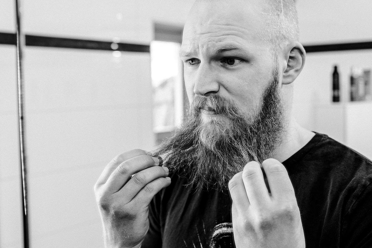Haareraufen hilft auch bei Problemen mit dem Bart nicht viel. Lies weiter und finde heraus, wie du verschiedene Probleme lösen kannst.