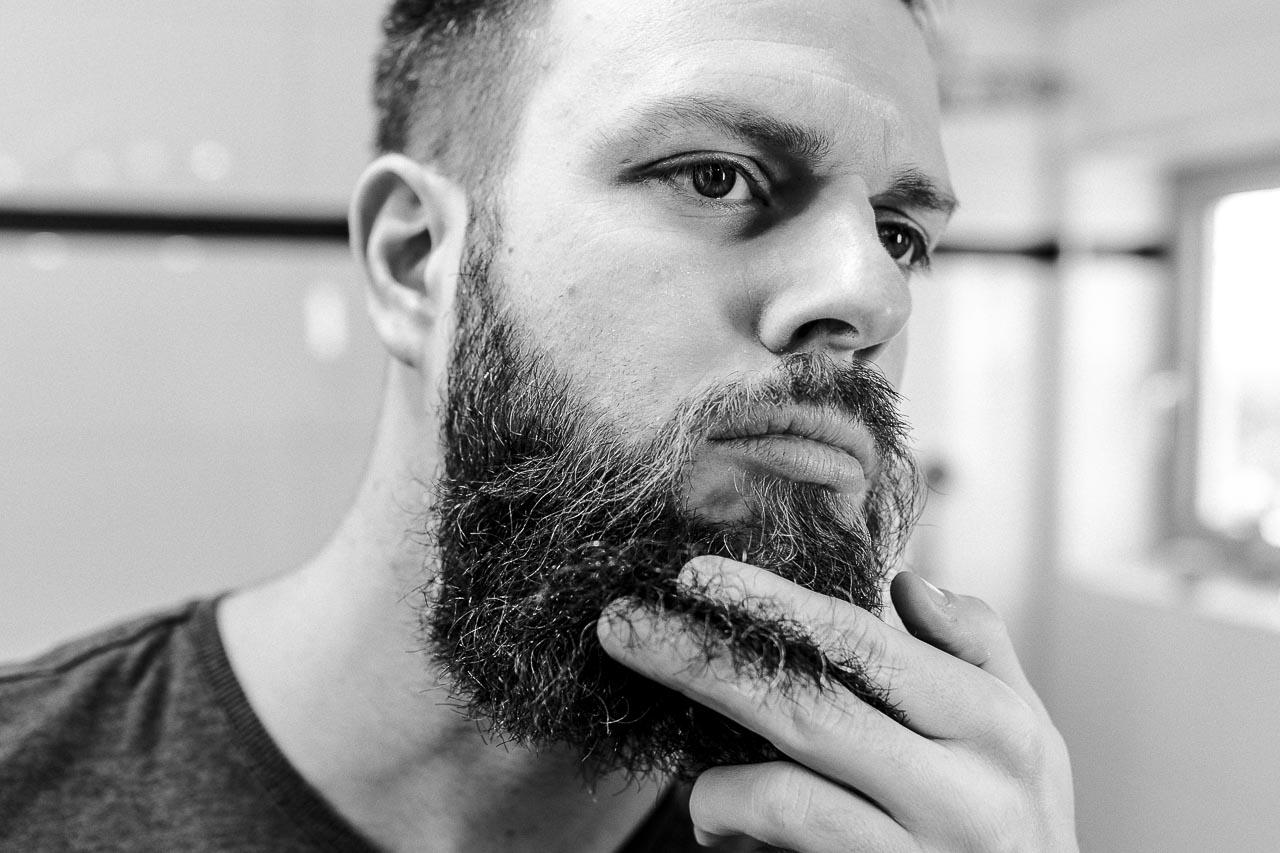 Verhindere Spliss im Bart schon vorab.