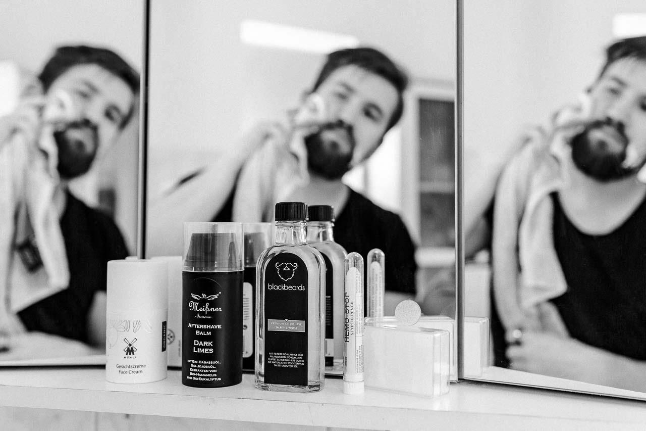 Nach der Rasur ist vor der Rasur, und deine Haut möchte beruhigt werden und mit feiner Pflege und Feuchtigkeit versorgt werden.