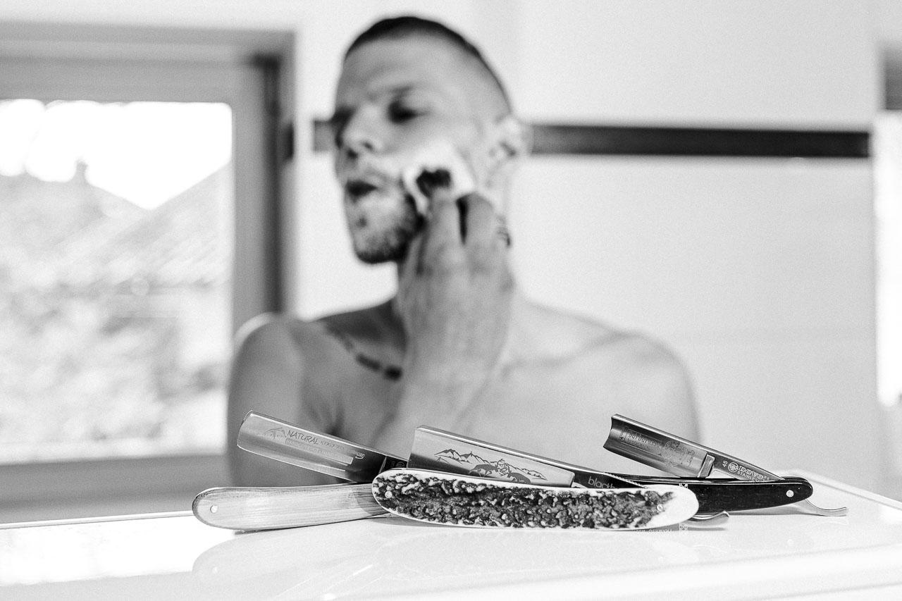 Sich das richtige Rasiermesser auszusuchen ist wichtig, denn ein Messer ist im Idealfall ein lebenslanger Begleiter. Zu wissen, was es an Merkmalen und Unterschieden gibt, kann da sehr nützlich sein.