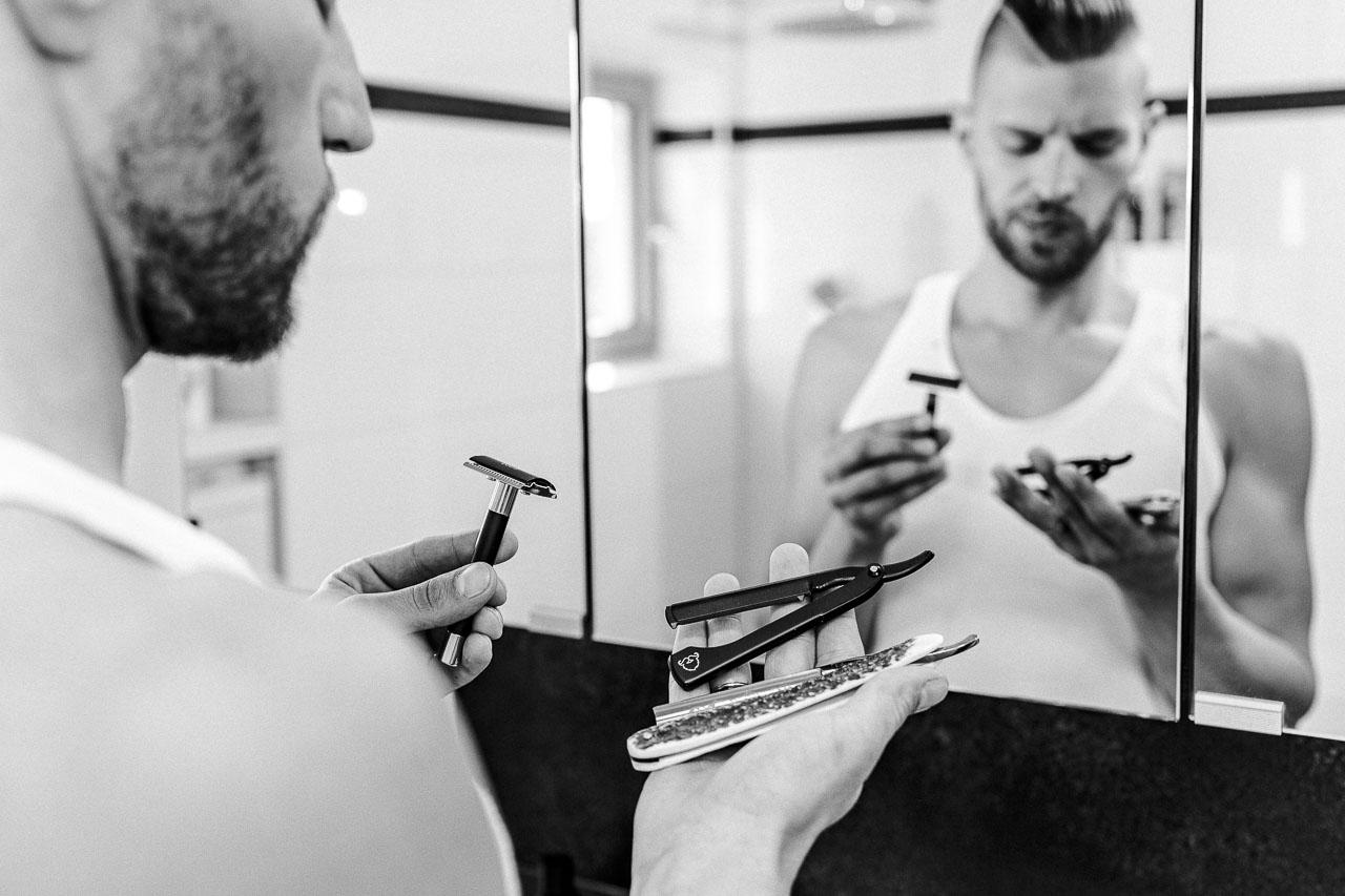 Bevor du dich rasierst, musst du ein passendes Werkzeug auswählen und da gibt es als Anfänger hilfreiche Tipps, um sich als Einsteiger gut und schnell zurechtzufinden.