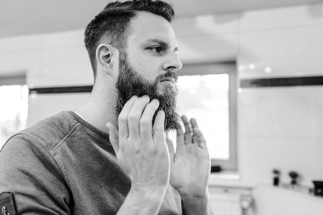 Mit dem richtigen Bartstyling hat dein Bart guten Halt.