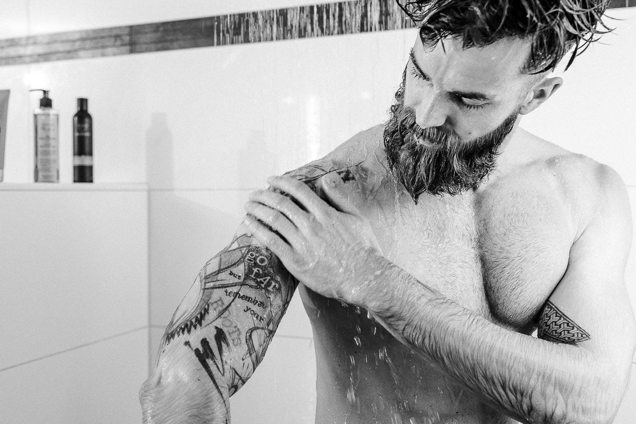 So wäschst du dein Tattoo richtig.