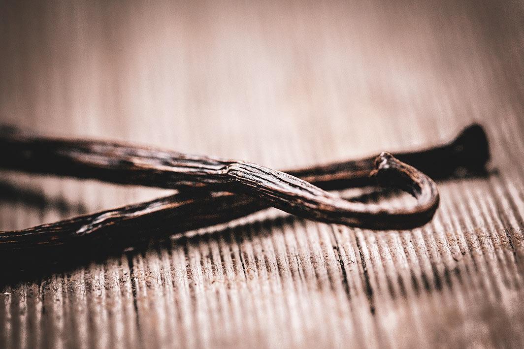 Vanille ist ein wunderbar riechendes und teures Gewürz.