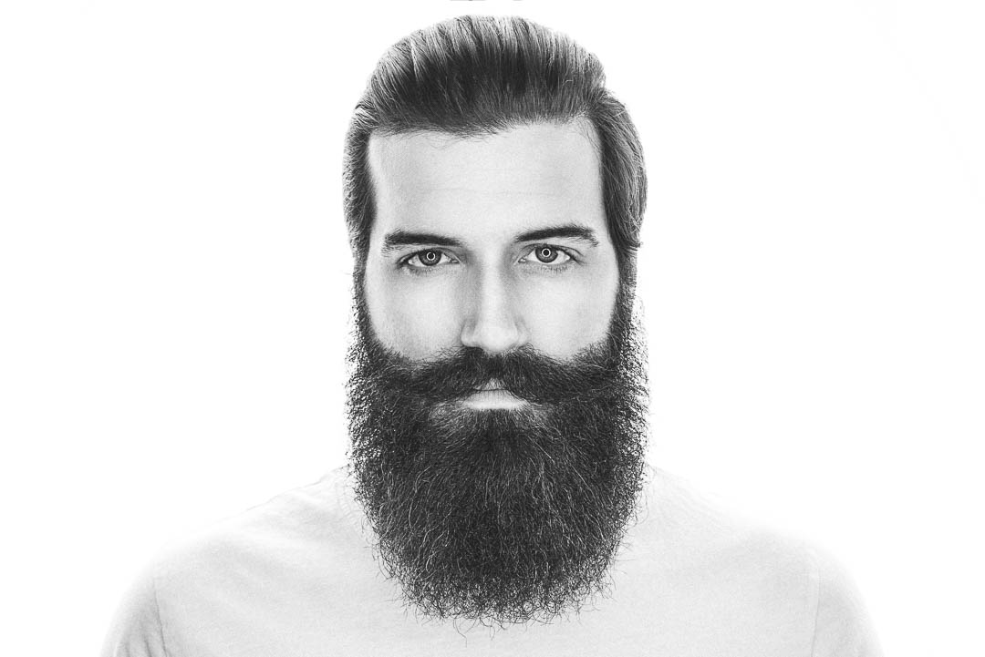 Der Vollbart ist alles in einem. Mit einem Vollbart trägst du die Grundlage für nahezu alle anderen Bartstile in deinem Gesicht und siehst hervorragend aus.