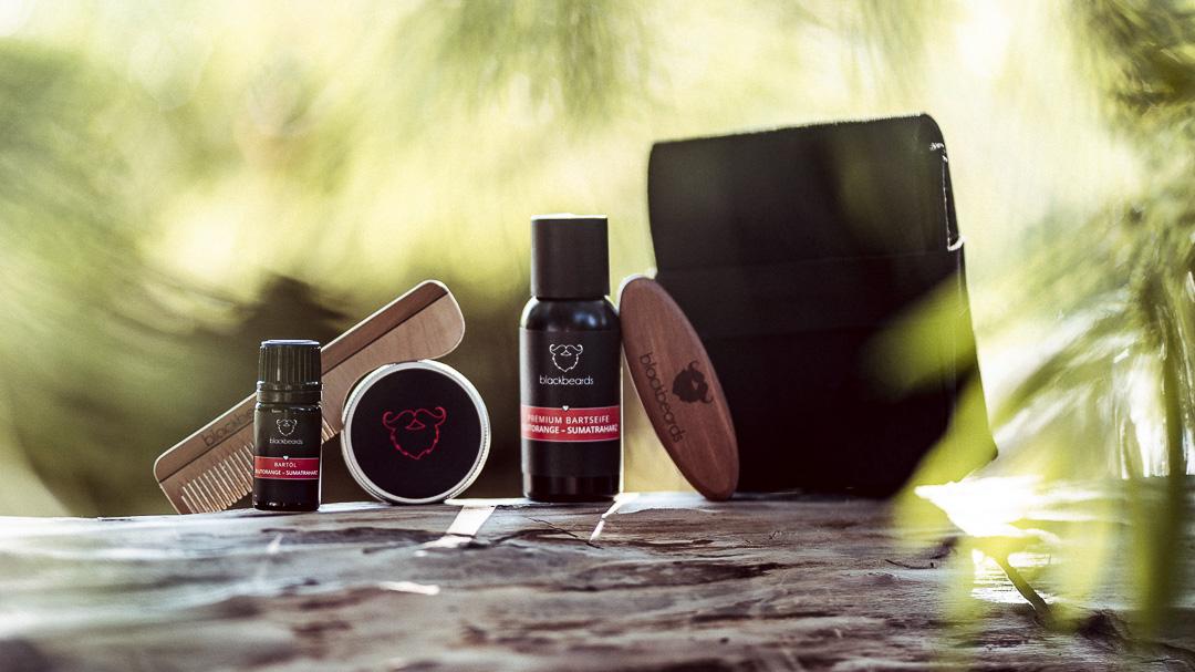 Alles, was dein Bart auf Reisen oder im Urlaub braucht, um gesund und glücklich zu sein.