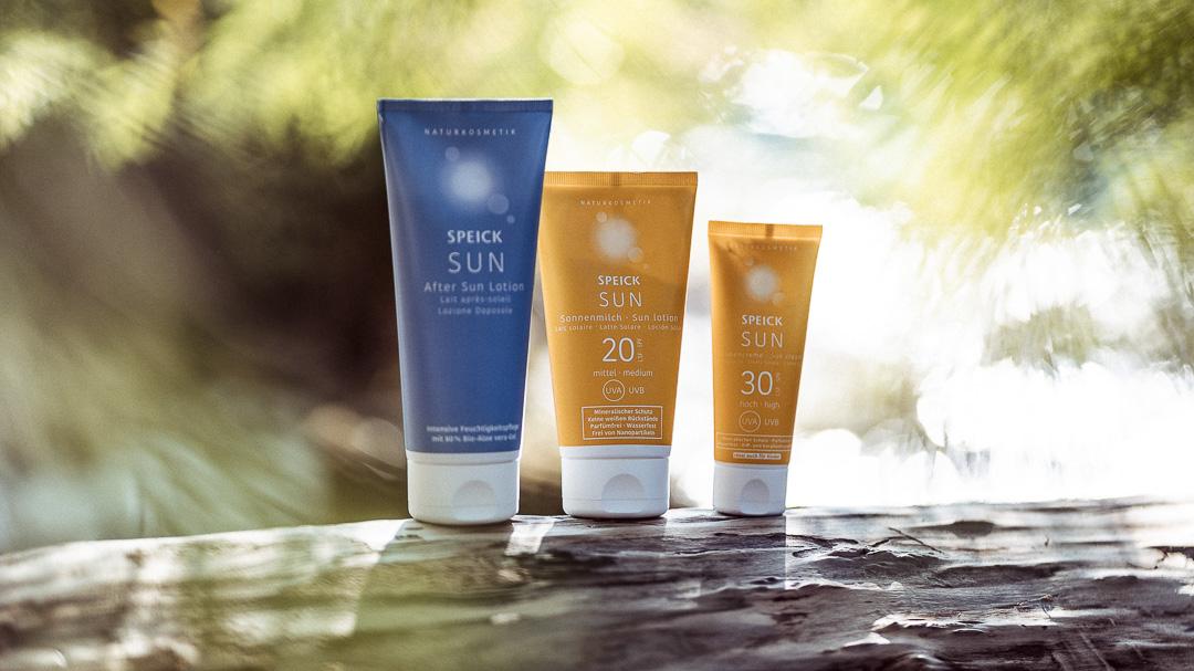 Verschiedene Sonnencremes und die richtige After Sun Lotion von Speick für deinen Sonnengenuss.