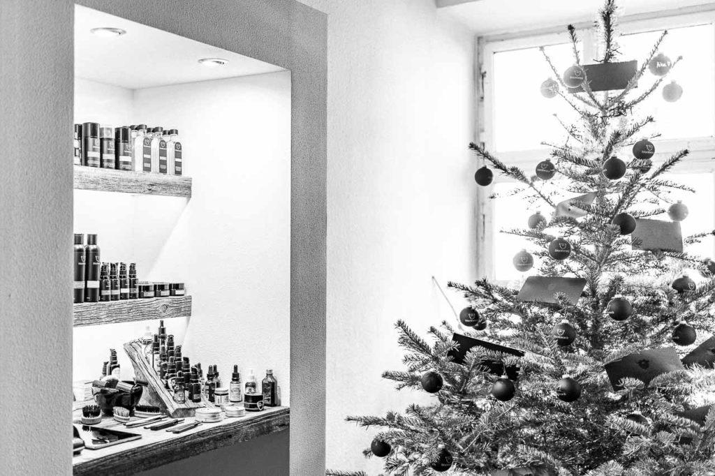 Geschenke für den Mann mit Bart und ohne. Bei blackbeards Bartpflege & Rasur in Rosenheim.